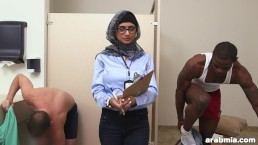 """Mia Khalifa The Arab Pornstar Measures White Cock VS Black Cock (mk13768)"