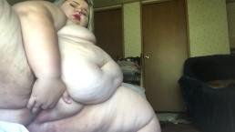 SSBBW Nicole Ann Fucks Her Wet Juicy Pussy With Dildo