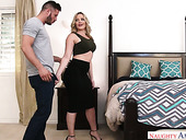 Sexually Charged Bombshell Alexis Texas Rides Big Penis Gracefully