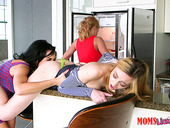 Salacious Housewife Parker Swayze And Her Crazy Girlfriends Are Fucking Each Other With Fingers