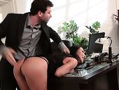 Bodacious Asian Secretary Asa Akira Gets Intimate With Her Boss