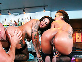 Tattooed Gals Bonnie Rotten And Skin Diamond Take Part In A Threesome
