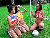 Amazingly Seductive Babes Veronica Rodriguez, Kelsi Monroe And Shae Summers Eat Out Each Other