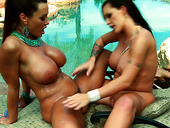 Two Brunette Milfs Lisa Ann And Jenna Presley Play With Their Pussies