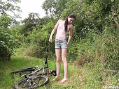 Cute Skinny Babe Mia Evans Gets Horny During Bike Riding