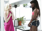 Black Hottie Ana Foxxx Fucks White Snow Babe In Interracial Lesbian Video