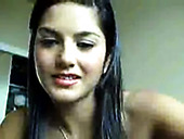 Perverted Solo Babe Sunny Leone Fucks Her Slit On A Web Camera
