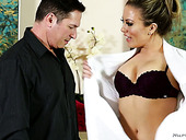 Libidinous Masseuse Carmen Valentina Provides Her Man With An Unforgettable Pleasure