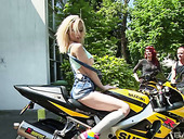 Slut Chessie Kay And Her Crazy Girlfriends Are Testing Sex Toys Outdoor