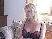 Voracious Mature Fucks Her Pussy With Dildo In Front Of Kinky Dudes