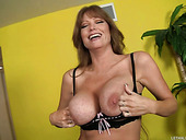 Torrid Sluts Kimberly Kiss & Darla Crane Wanna Get Fucked