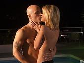 Sensual Milf Taylor Hilton Enjoy Having Romantic Sex In The Moonlight