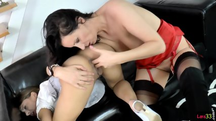 Sixtynined Milf Eating Out British Teen Babe