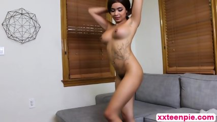 Gorgeous Slut Aaliyah Hadid Gives Cock A Sloppy Blowjob And Gets Pussy Pounded
