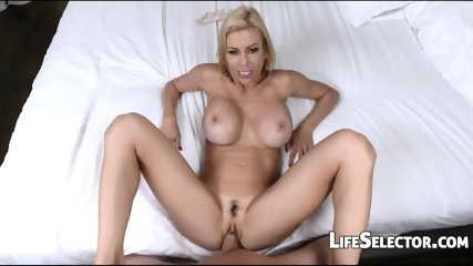 Hot MILF Gets Her Mouth Filled With Cum – Alexis Fawx