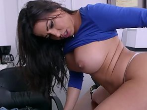 Sexy Big Butt Latina Milf Wants To Get Drilled
