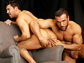 Gorgeous European Dude Denis Vega Spits On Bruno Bernal Ass