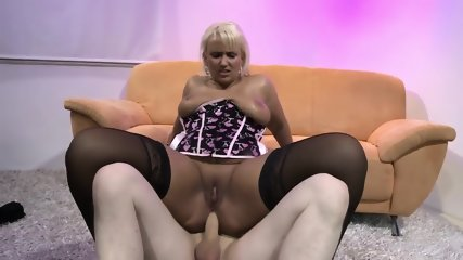 Pale Dude Vs Huge Ass