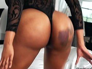 Masseur Bangs Huge Butt Ebony Babe