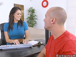 Huge Tits Car Rental Milf Bangs Client