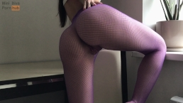 Creamy Pussy Masturbation Through The Fishnets – Mini Diva