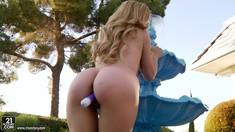 Outdoor Masturbation With Beautiful Lexi Belle