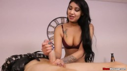 Latin Babe At Massage Parlor Offers He Spicy Massage