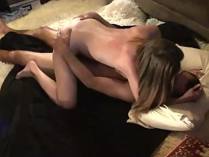 Babe Gives Handjob To Her Partner Before Sex