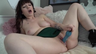 Dirty Talking Girlfriend Squirts And Begs For Your Cum