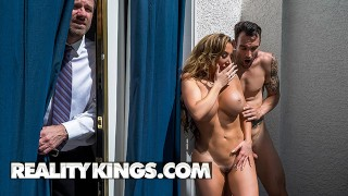 Reality Kings – Phat Ass Milf Richelle Ryan Rides Cock