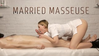 Married Masseuse Loves To Suck Her Customers' Dicks – He Came Twice!